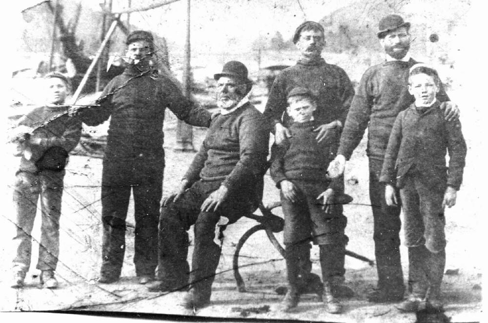 Figure No 9. Richard Pengelly and family on Buller Quay, c.1908.